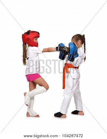 Muay Thai Boxing Girl Trains,