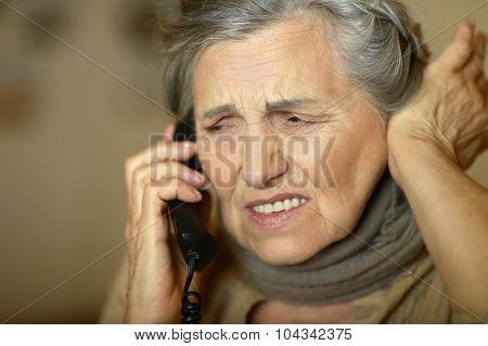 senior woman feel unwell
