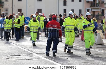 Vicenza, Italy. 10Th October, 2015.  International Exercise  Of Contrast To Hydraulic Emergency