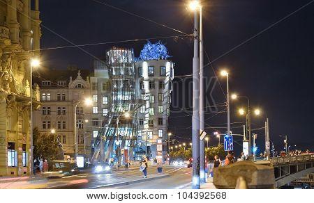 Dancing home, Prague