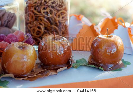 Caramelized Apples. Seasonal Autumn Table Setting.
