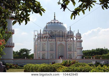 Duplicate Taj Mahal