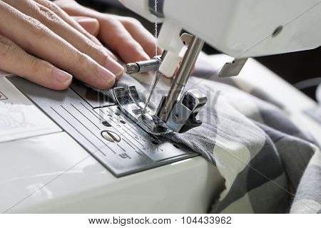 Sewing Process , The Sewing Machine Sew Women's Hands Sewing Machine