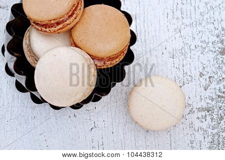 Vanilla And Chocolate Macarons