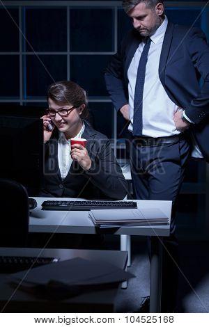 Lazy Secretary And Strict Boss