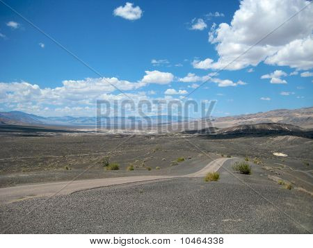 Ubehebe Crater road