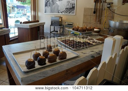 Candied Apples in Kilwin's