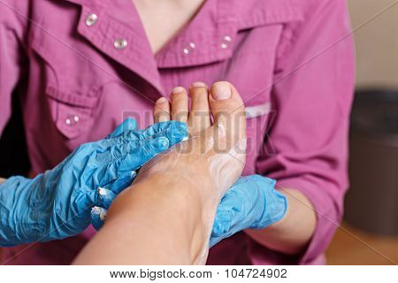 Chiropody Spa Salon. Massage Scrub.
