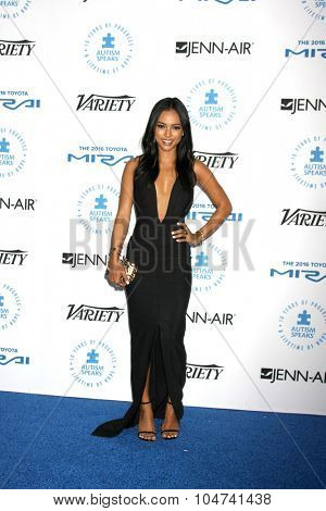LOS ANGELES - OCT 8:  Karrueche Tran at the Autism Speaks Celebrity Chef Gala at the Barker Hanger on October 8, 2015 in Santa Monica, CA