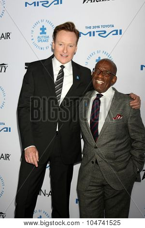 LOS ANGELES - OCT 8:  Conan O'Brien, Al Roker at the Autism Speaks Celebrity Chef Gala at the Barker Hanger on October 8, 2015 in Santa Monica, CA