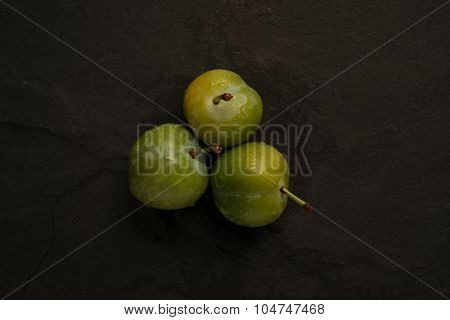 Arranged Greengages
