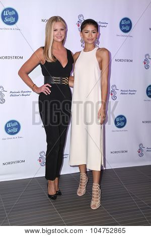 LOS ANGELES - OCT 10:  Nancy O'Dell, Zendaya Coleman at the Nordstrom Del Amo Fashion Center Opening Gala at the Nordstrom on October 10, 2015 in Torrance, CA
