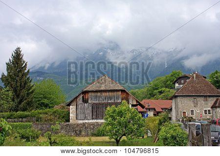 Duingt Village