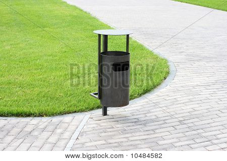Green Grass, Refuse Bin