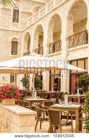 Notre Dame de Jerusalem, outdoor cafe