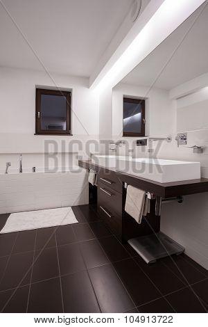 Modern And Functional Bathroom