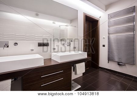 Modern And Sterile Bathroom