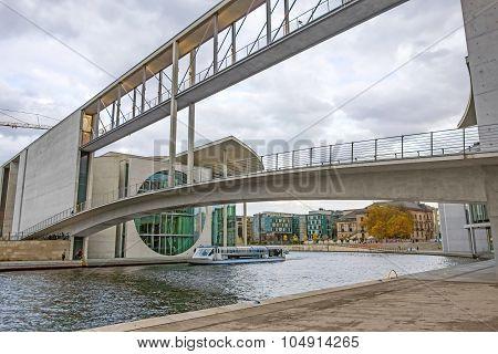 Pier Paul-loebe-haus / Reichstag, Berlin