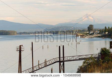 Columbia Riverfront Mount Hood Oregon River Cascade Mountains