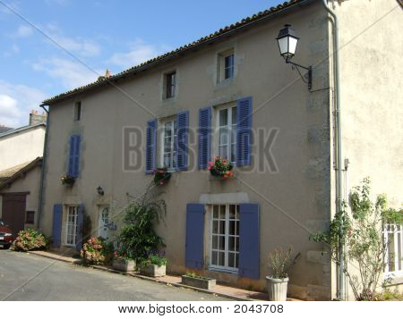Pretty French Cottage