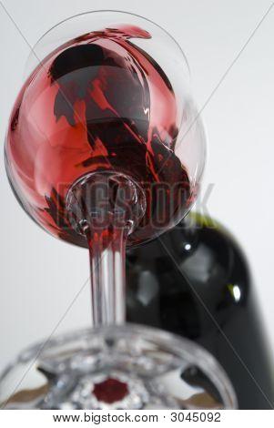 Vine Pouring