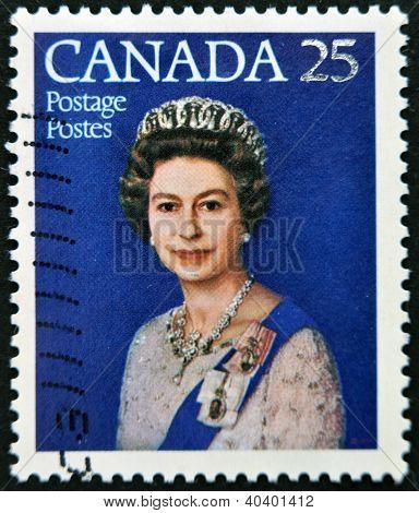 CANADA - CIRCA 1977: A stamp printed in Canada shows queen Elizabeth II Silver Jubilee circa 1977
