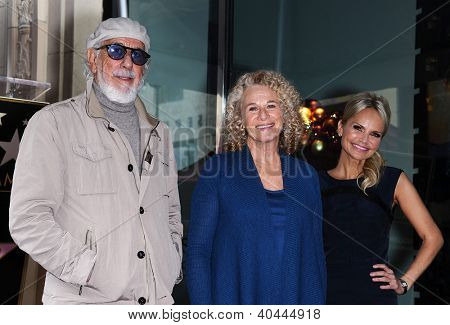 LOS ANGELES - DEC 03:  LOU ADLER, CAROLE KING & KRISTIN CHENOWETH Walk of Fame Honors Carole King  on December 03, 2012 in Hollywood, CA
