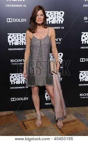 LOS ANGELES - DEC 19:  Michelle Stafford arrives to