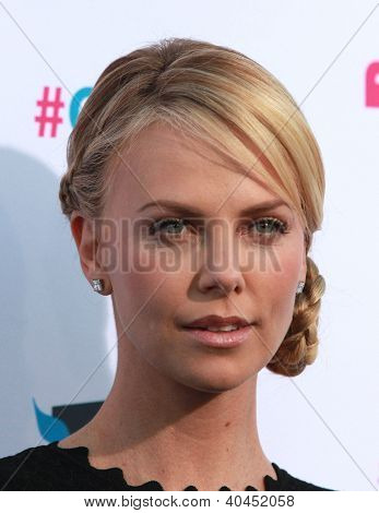 LOS ANGELES - JAN 12:  CHARLIZE THERON arriving to Critic's Choice Movie Awards 2012  on January 12, 2012 in Hollywood, CA