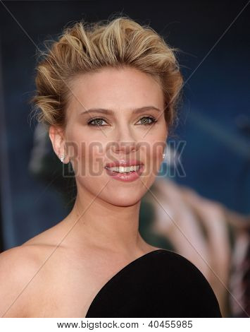 LOS ANGELES - APR 11:  Scarlett Johansson