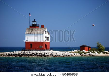 Round Island Lighthouse with Para sailer