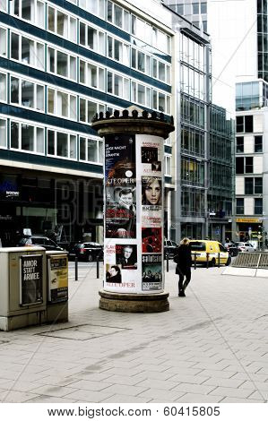 Advertising pillar