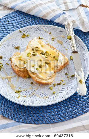 Brioche With Cream Cheese And Honey