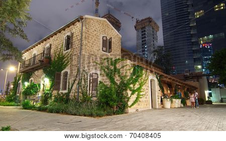 Old And New Architecture In Tel Aviv