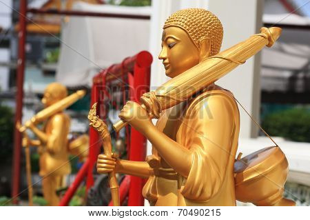Pilgrim Golden Buddha Statues