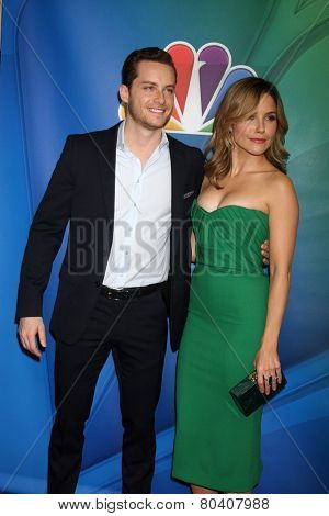 LOS ANGELES - DEC 16:  Jesse Lee Soffer, Sophia Bush at the NBCUniversal TCA Press Tour at the Huntington Langham Hotel on December 16, 2015 in Pasadena, CA