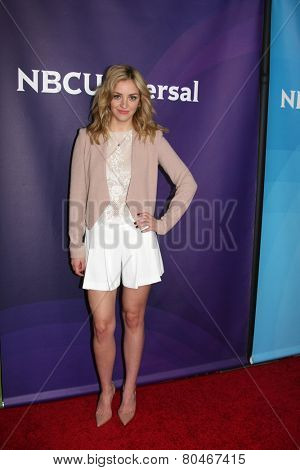LOS ANGELES - JAN 15:  Abby Elliot at the NBCUniversal Cable TCA Winter 2015 at a The Langham Huntington Hotel on January 15, 2015 in Pasadena, CA