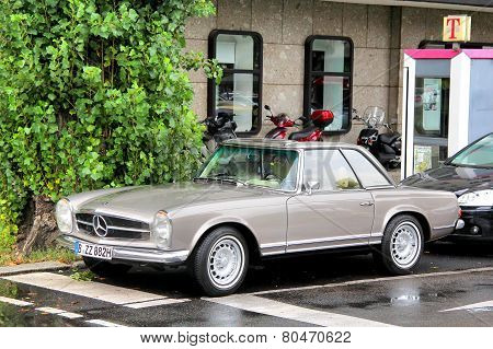 Mercedes-benz W113 280Sl