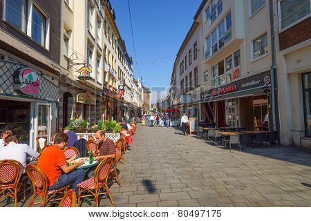 DUSSELDORF, GERMANY - SEP 16: street cafe on September 16, 2014. Dusseldorf is the capital city of the German state of North Rhine-Westphalia and centre of the Rhine-Ruhr metropolitan region