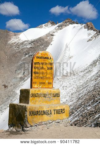 Khardung La - The Highest Road Automobile Asphalt Pass