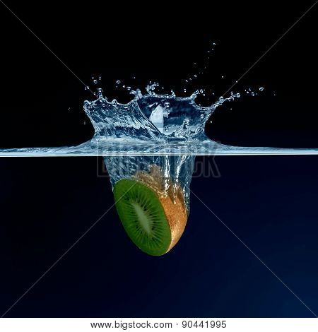 Kiwi water splashing
