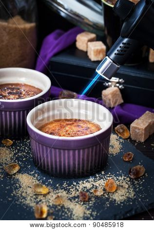 Creme Brulee With Gas Burner