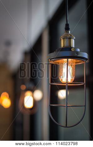 Round Glowing Tungsten Lamp