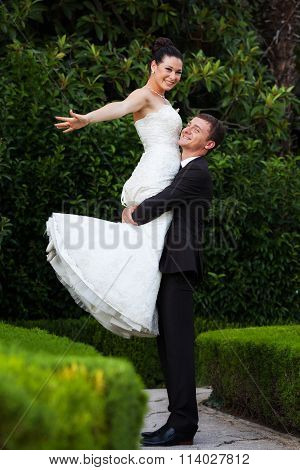 Newlyweds in the park