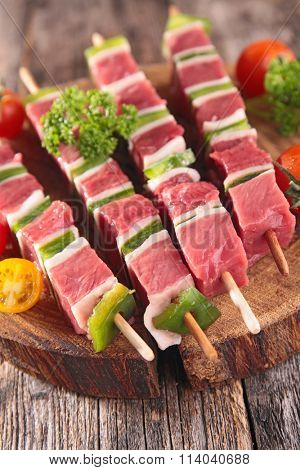 barbecue,raw meat