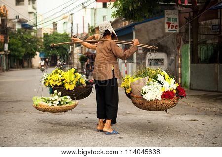 vietnam florist vendor in hanoi