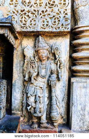 Artistic statue of Lord MahaVishnu at Chennakesava temple, Belur