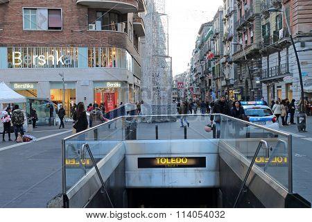 Metro Toledo, Naples