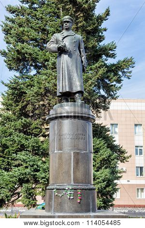 Monument to General of the Army Apanasenko. Belgorod. Russia