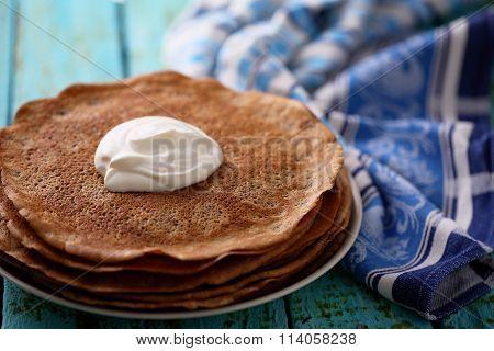 chocolate pancakes with cream